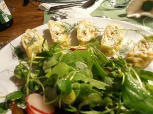 Frühlingssalat mit Quarkflädle