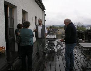 Auf einen Plausch auf die Terrasse mit einer handgerollten Perlesreuter.